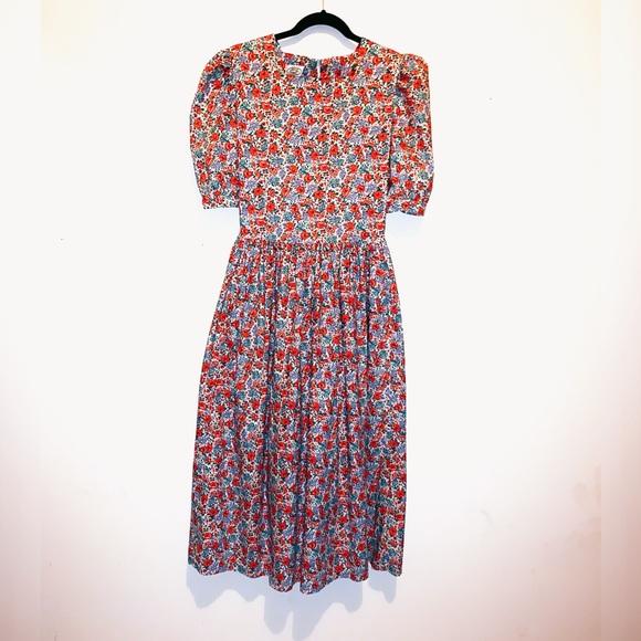 Laura Ashley Dresses & Skirts - Vintage 100% cotton Laura Ashley prairie mid dress